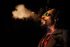 Video: Snoop Dogg will play Alaska concert if voters there legalize weed