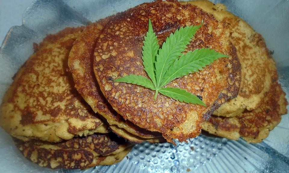 Recipe: Vegan Marijuana Gingerbread Mini Pancakes