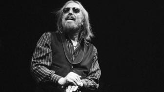 The Hidden Side Of The Opioid Crisis We Need To Talk About After Tom Petty's Death